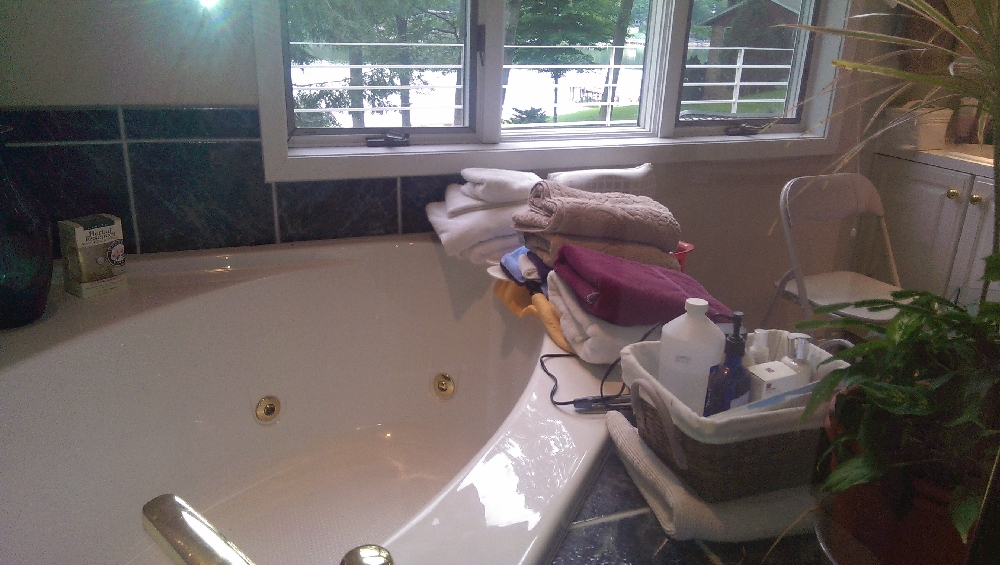 Masterbath tub and window if you wish to watch the stars while bubbling away your troubles