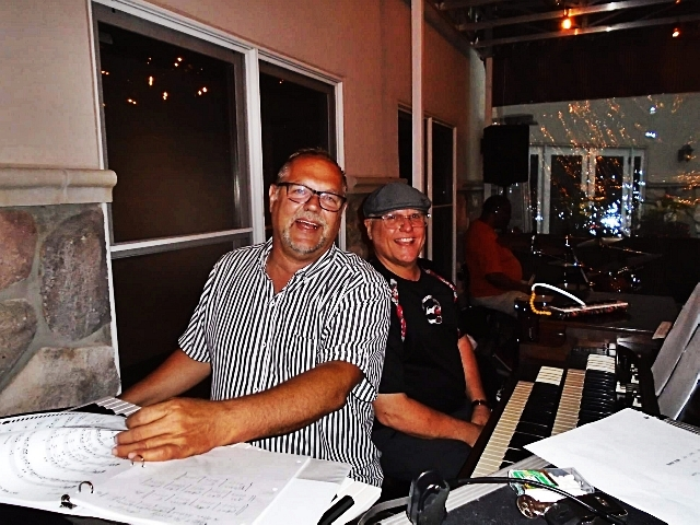 Jamming at Reds in the Thousand Oaks Golf Club.